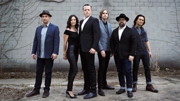 Review: Jason Isbell and the 400 Unit Look Outward on 'The Nashville Sound'