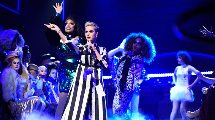 Watch Katy Perry Bring 'Witness' Songs, Migos to 'SNL'