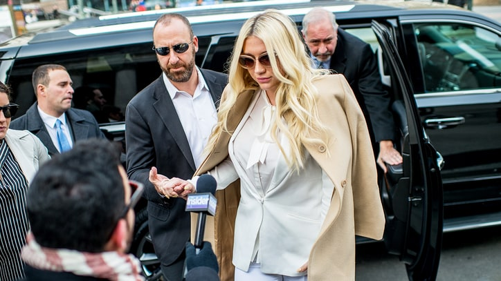 Kesha Drops California Suit Against Dr. Luke, Proceeds in New York