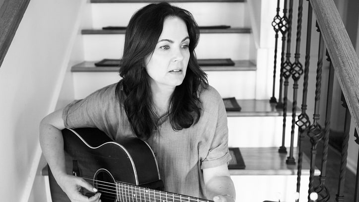 Review: Lori McKenna's 'The Bird & the Rifle' Is Vintage Storytelling