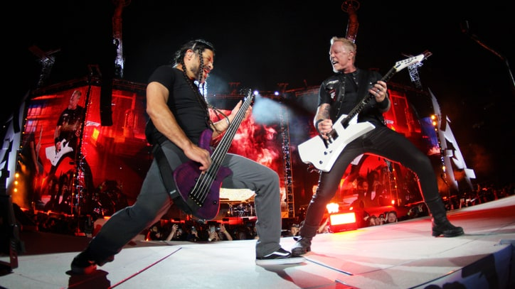 Metallica Kick Off WorldWired U.S. Tour With Larger-Than-Life Spectacle