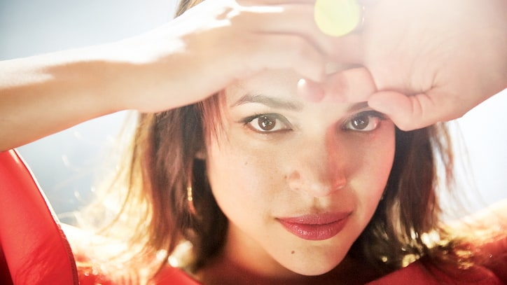 Norah Jones on Motherhood, Perils of Fame, 'Sneak Attack' New LP