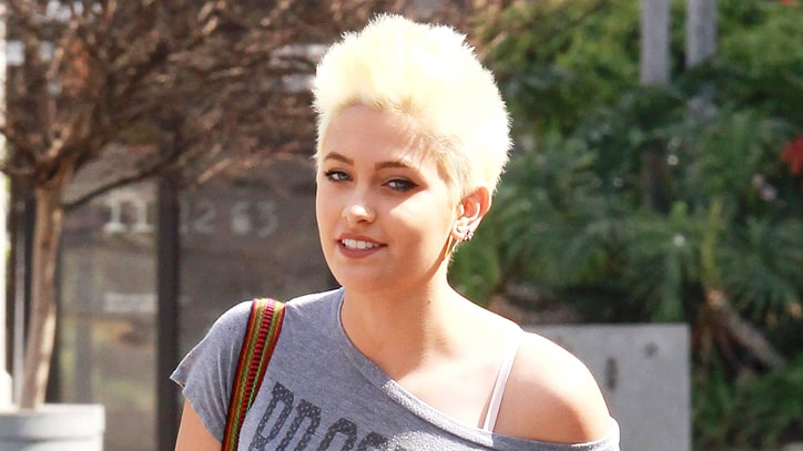 Paris Jackson Speaks out Against Cyberbullying, Defends Justin Bieber