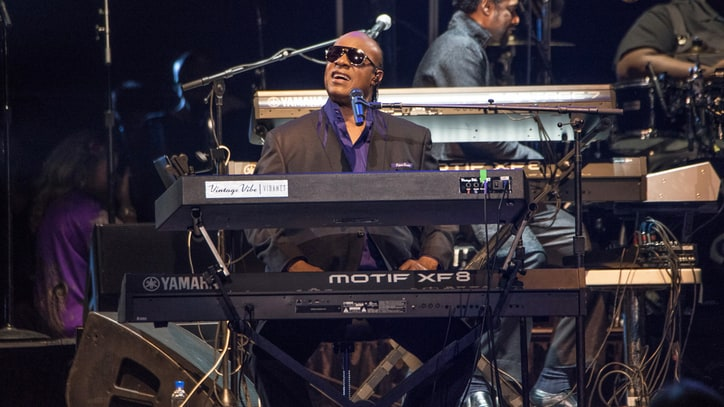 Stevie Wonder, Chaka Khan Shine at Messy Prince Tribute in St. Paul