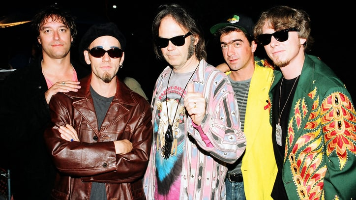 Flashback: Neil Young and R.E.M. Play 'Ambulance Blues' in 1998