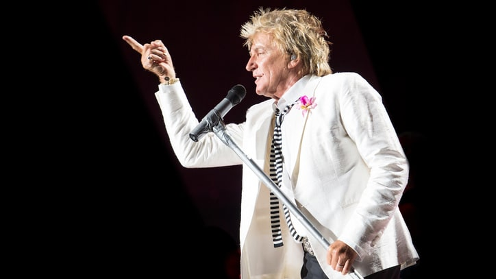 Rod Stewart Apologizes for Mock Beheading Video