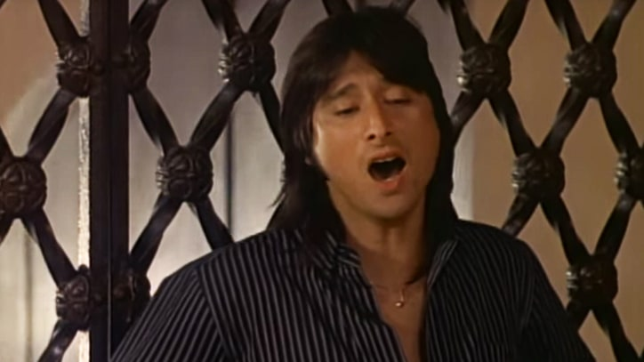 Flashback: Steve Perry Declares His Love for 'Oh Sherrie'