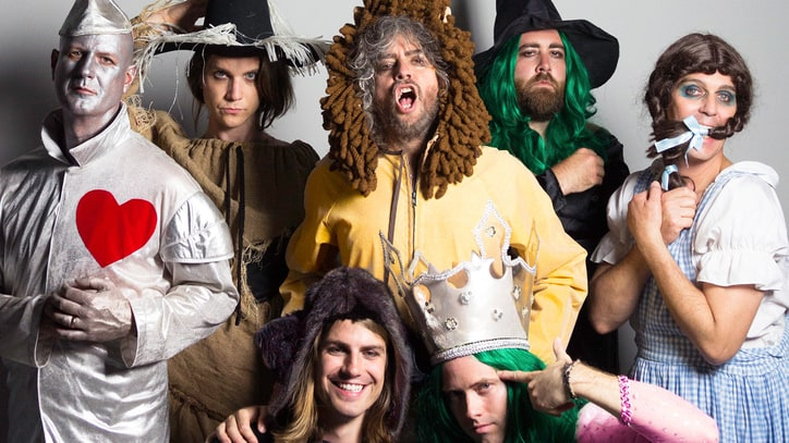 Review: Flaming Lips Make a Miley-Assisted Rock Opera on 'Oczy Mlody'