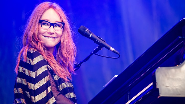 Tori Amos Sets 'Native Invader' U.S. Tour