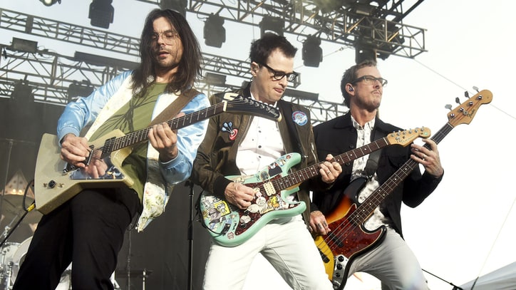 Weezer Announce 'White Album' Deluxe Edition With Four New Songs