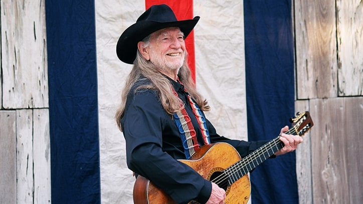 Review: Willie Nelson Stares Down Mortality on Most Moving LP in Years