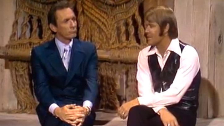 Flashback: Mel Tillis Plays 'Auctioneer' for Glen Campbell