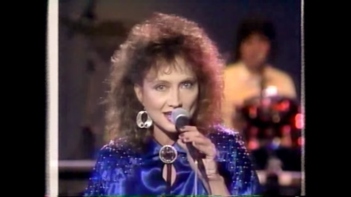 Flashback: Pam Tillis Salutes the King With 'What Would Elvis Do'