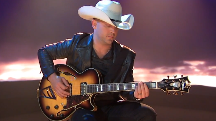See Justin Moore Sing About a 'Devil Stool' on 'Kimmel'