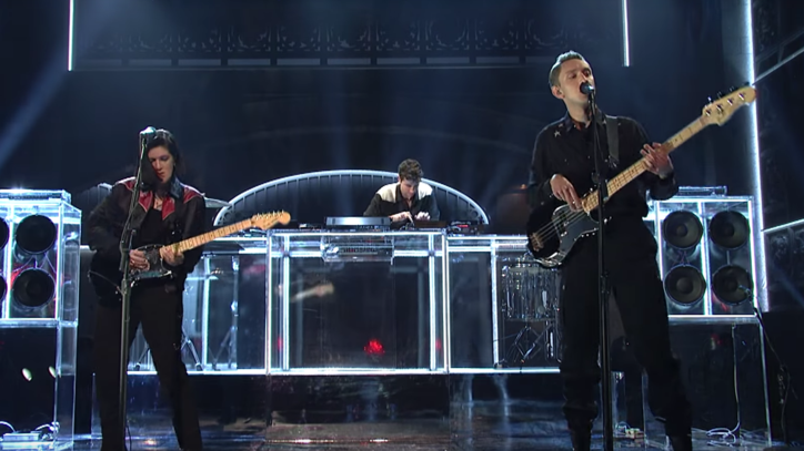 Watch the xx Break Out 'On Hold' for Energetic 'SNL' Debut