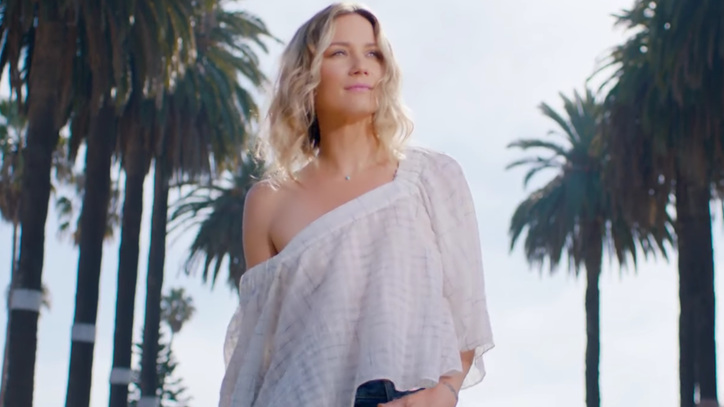 See Jennifer Nettles' Liberating 'Hey Heartbreak' Video