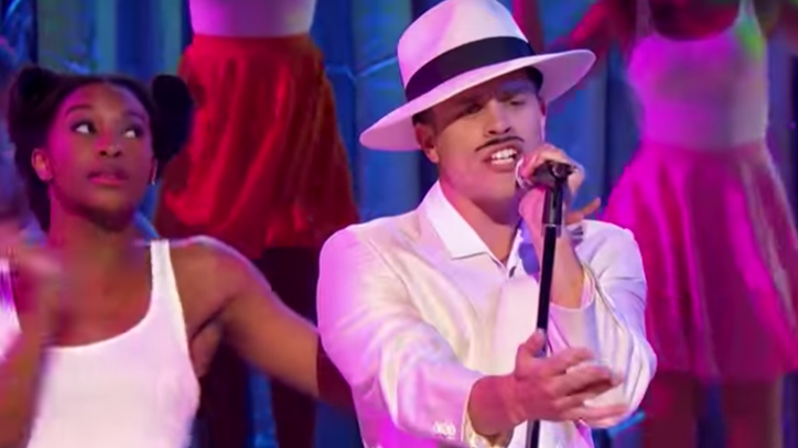 Watch Dustin Lynch, Cassadee Pope Duel on 'Lip Sync Battle'