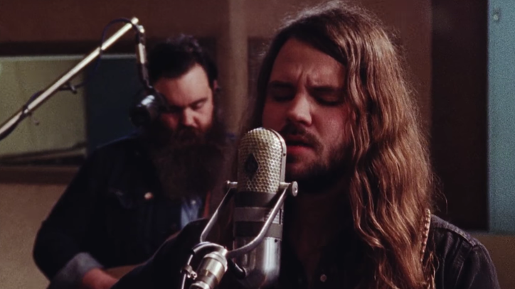 See Brent Cobb's Moody 'Black Crow' at Sam Phillips Studios