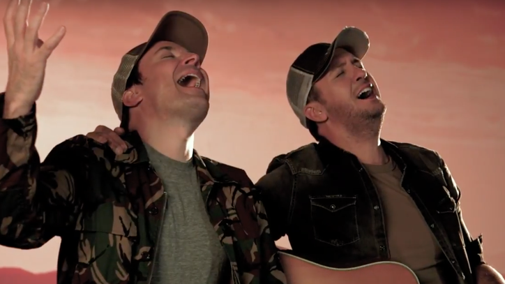 See Luke Bryan, Jimmy Fallon Sing About Gyros on 'Tonight Show'