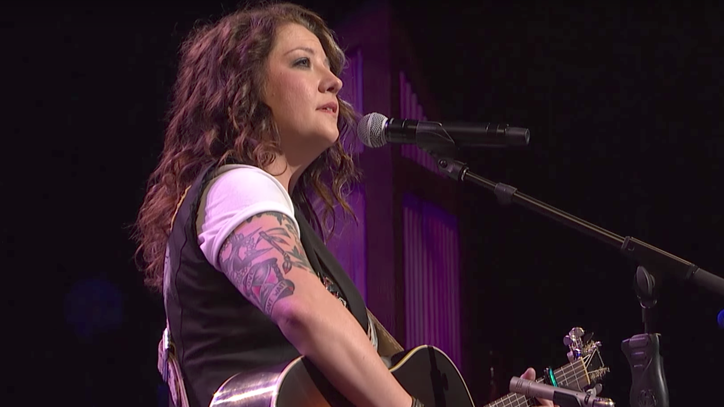 See Ashley McBryde's Poignant 'Girl Goin' Nowhere' at the Opry