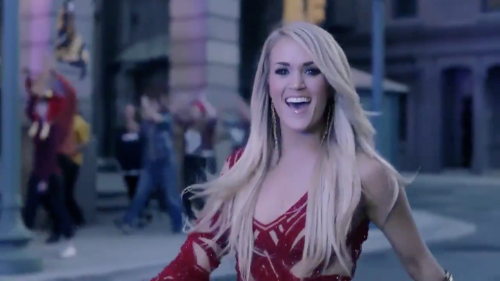 See Carrie Underwood's Swaggering New 'Sunday Night Football' Opening