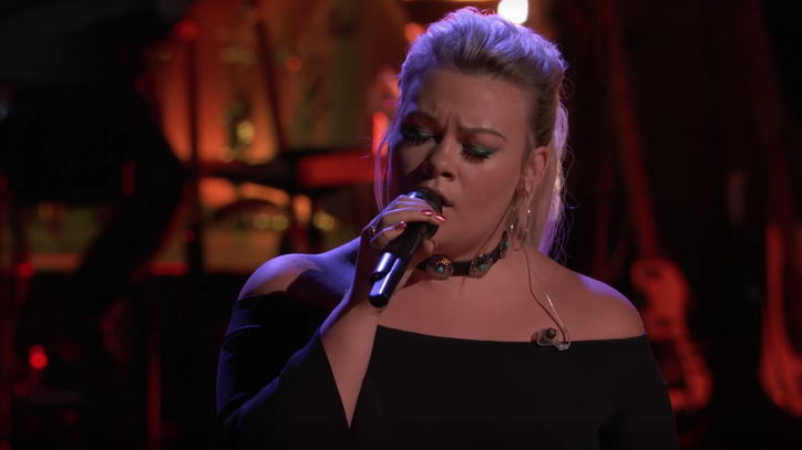 'The Voice': See Ashland Craft Sing Gretchen Wilson's 'When I Think About Cheatin'