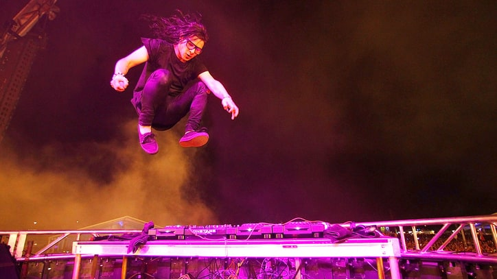 Watch Skrillex Reunite With Former Emo Band in Fiery Show