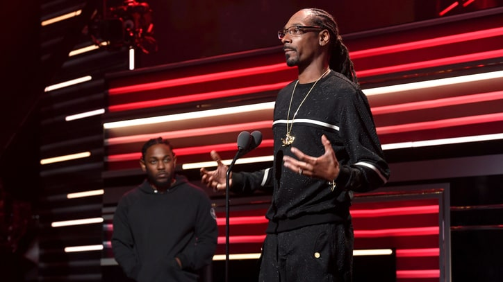 Watch Snoop Dogg's Heartfelt Speech at BET Hip-Hop Awards