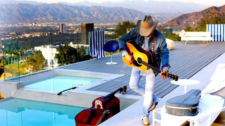 Dwight Yoakam on New Bluegrass Album, Prince and Musical Rebellion