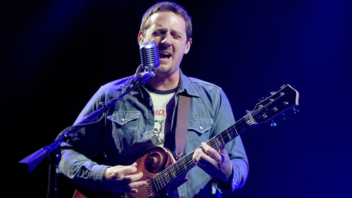 Sturgill Simpson Strips Down Band for New Tour