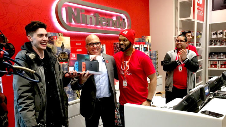 Long Lines and Happy Fans Greeted the Launch of the Switch in New York Last Night