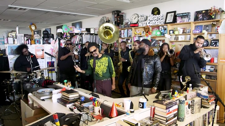See the Roots, Bilal Perform Funky 'It Ain't Fair' from 'Detroit'