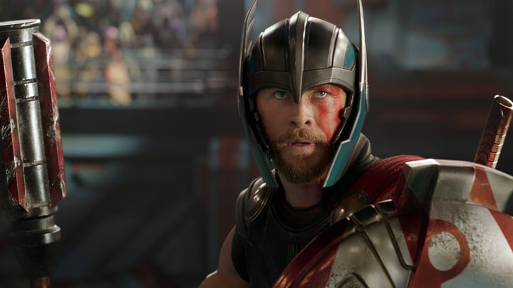 'Thor: Ragnarok' Review: Third Time's a Charm for the God of Thunder
