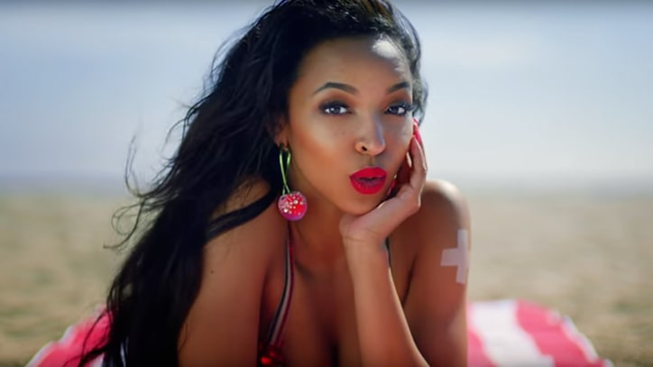 Watch Tinashe Lead 'Bae Watch' Crew in 'Superlove' Video