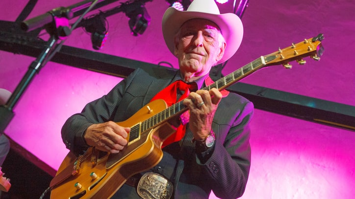 Tommy Allsup, Guitarist Who Avoided 'Day the Music Died' Crash, Dead at 85