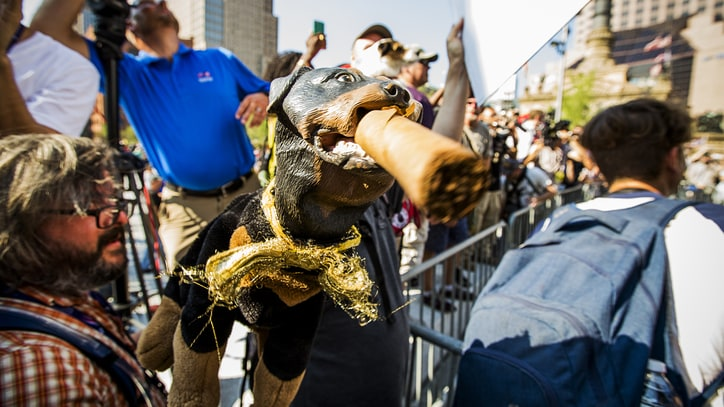 See Triumph the Insult Comic Dog Hold Anti-Westboro Protest Outside RNC