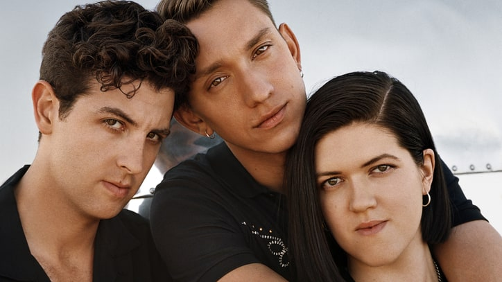 Review: The xx's Minimal Sound Gets Expansive Update on 'I See You'