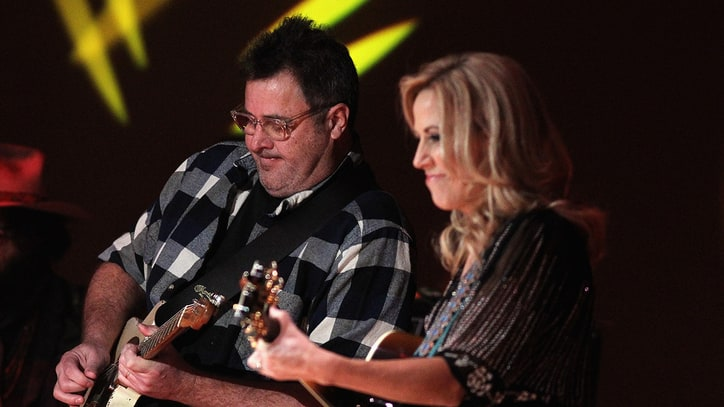See Sheryl Crow, Vince Gill Honor Emmylou Harris With 'Bottles of Wine'