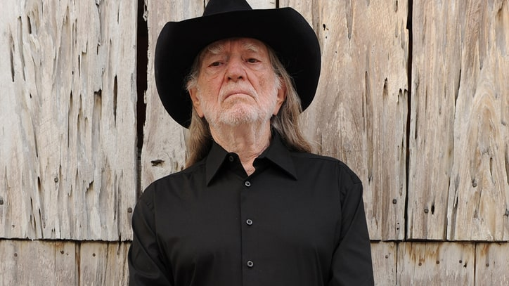Willie Nelson Readies New Album, Debuts 'Woman's Love': Ram Report
