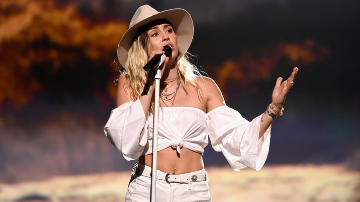 Watch Miley Cyrus' Teary-Eyed Performance of 'Malibu' at Billboard Music Awards 2017