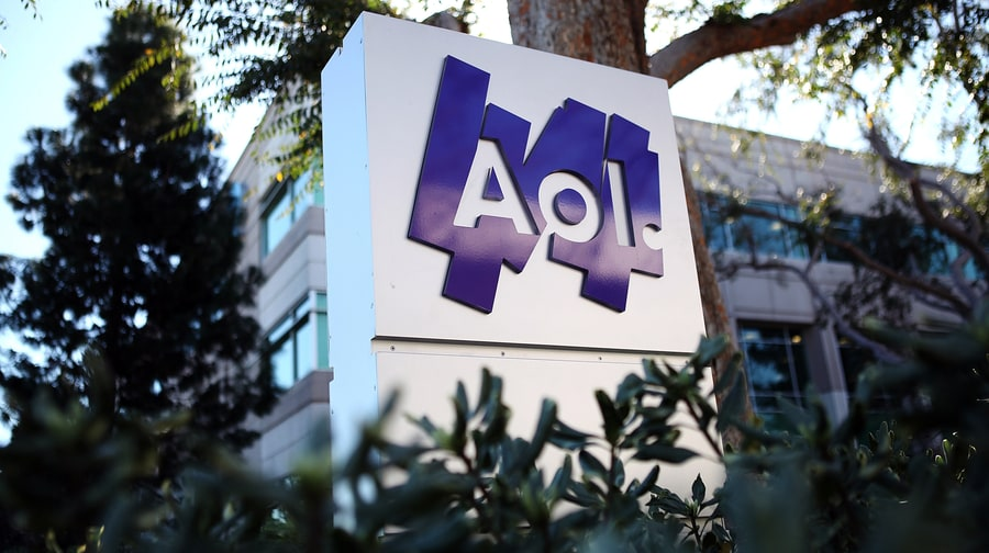 My AIM Is Boo: AOL Shutting Down Instant Messenger Service