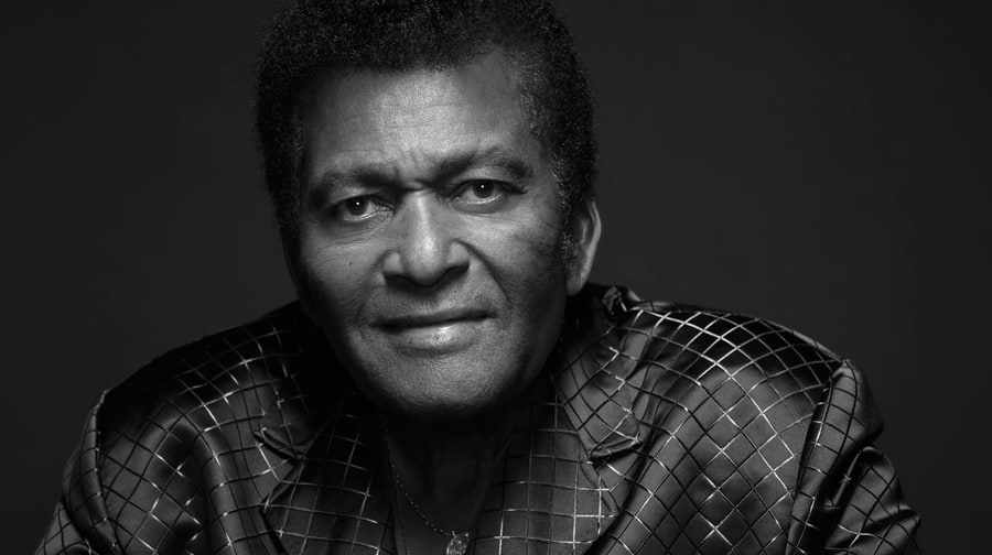 Charley Pride Cma Awards 2016 Seven Past Entertainer Of