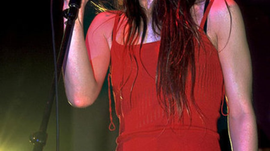 50 Meltdowns and Blowups: 2000: Fiona Apple