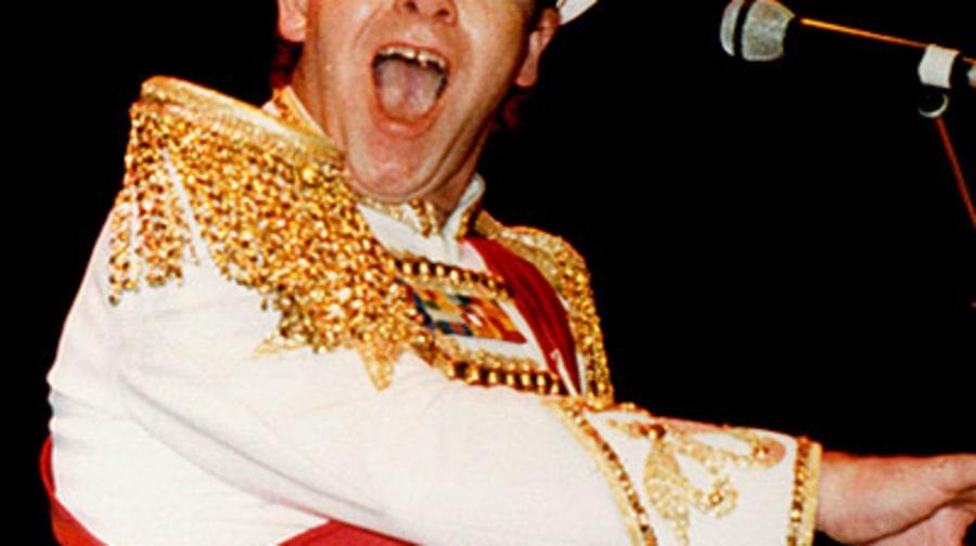 1983 Photos Elton John S Outfits Through The Years