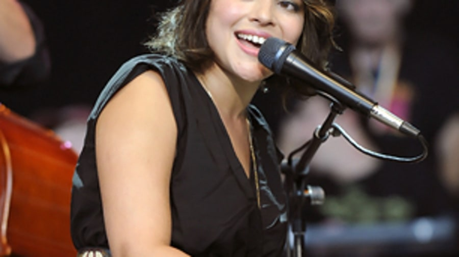 Norah Jones, <em>Little Broken Hearts</em>