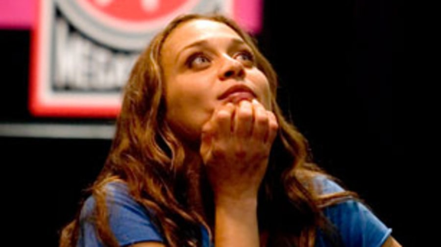 2005 Fiona Apple completes Extraordinary Machine
