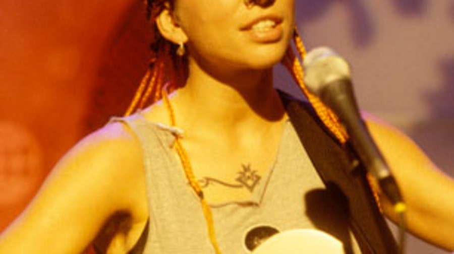 1990 Ani DiFranco founds her own indie label