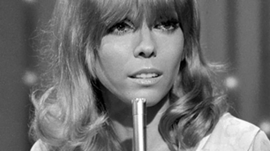 Nancy Sinatra, 'You Only Live Twice' (1967)