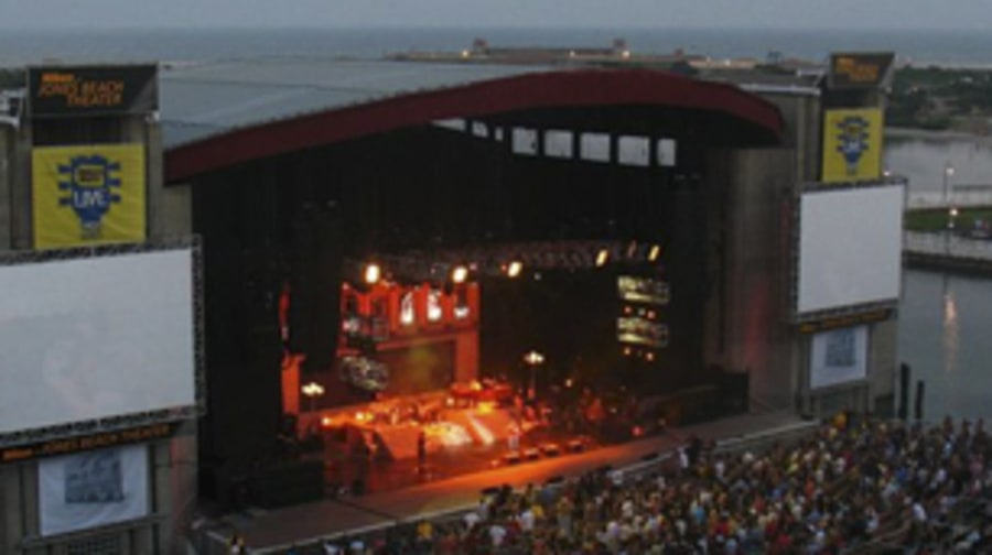 Nikon at Jones Beach Theatre, Wantagh, New York
