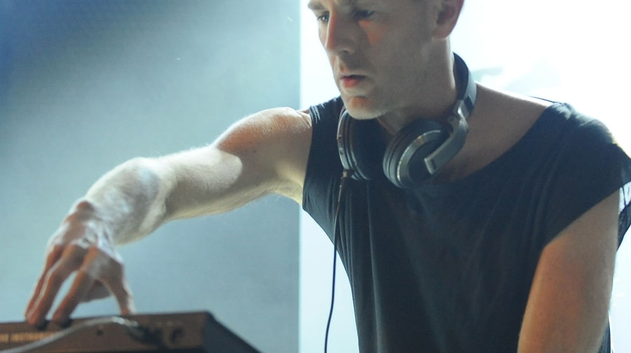 Richie Hawtin Vs. Luciano, 'ENTER Week 10'
